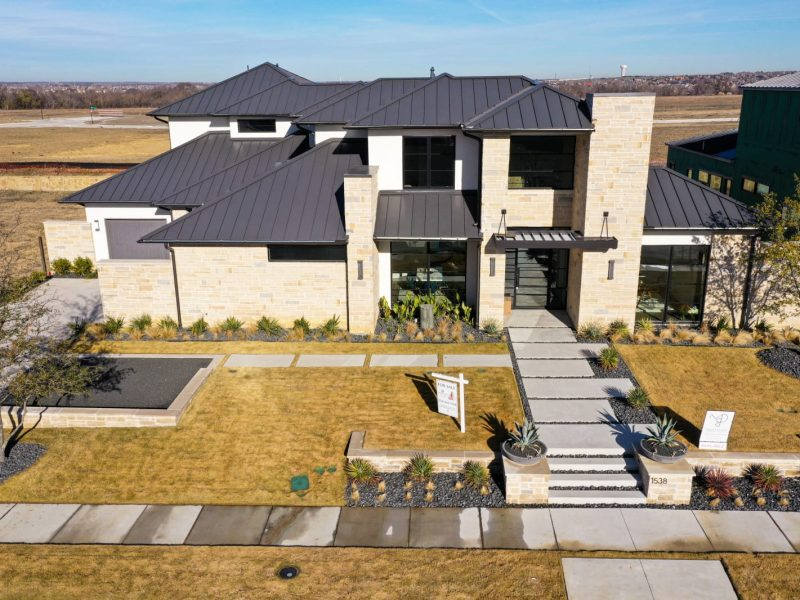 Modern Luxury homes Frisco TX from millennial design and build