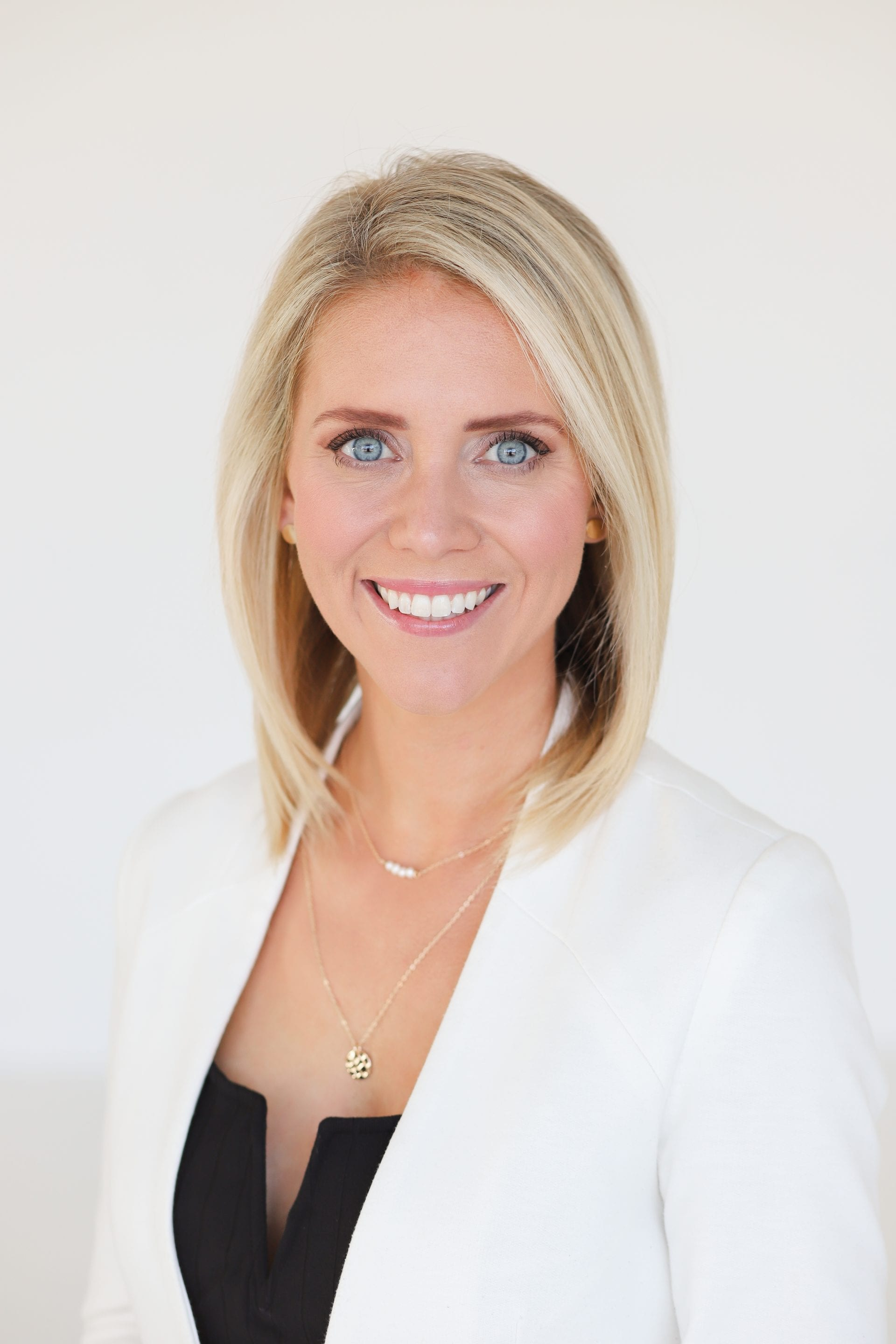 Brittany Obert is a licensed Realtor for custom home builders in DFW providing each client a seamless and premier experience when it comes to their custom home!