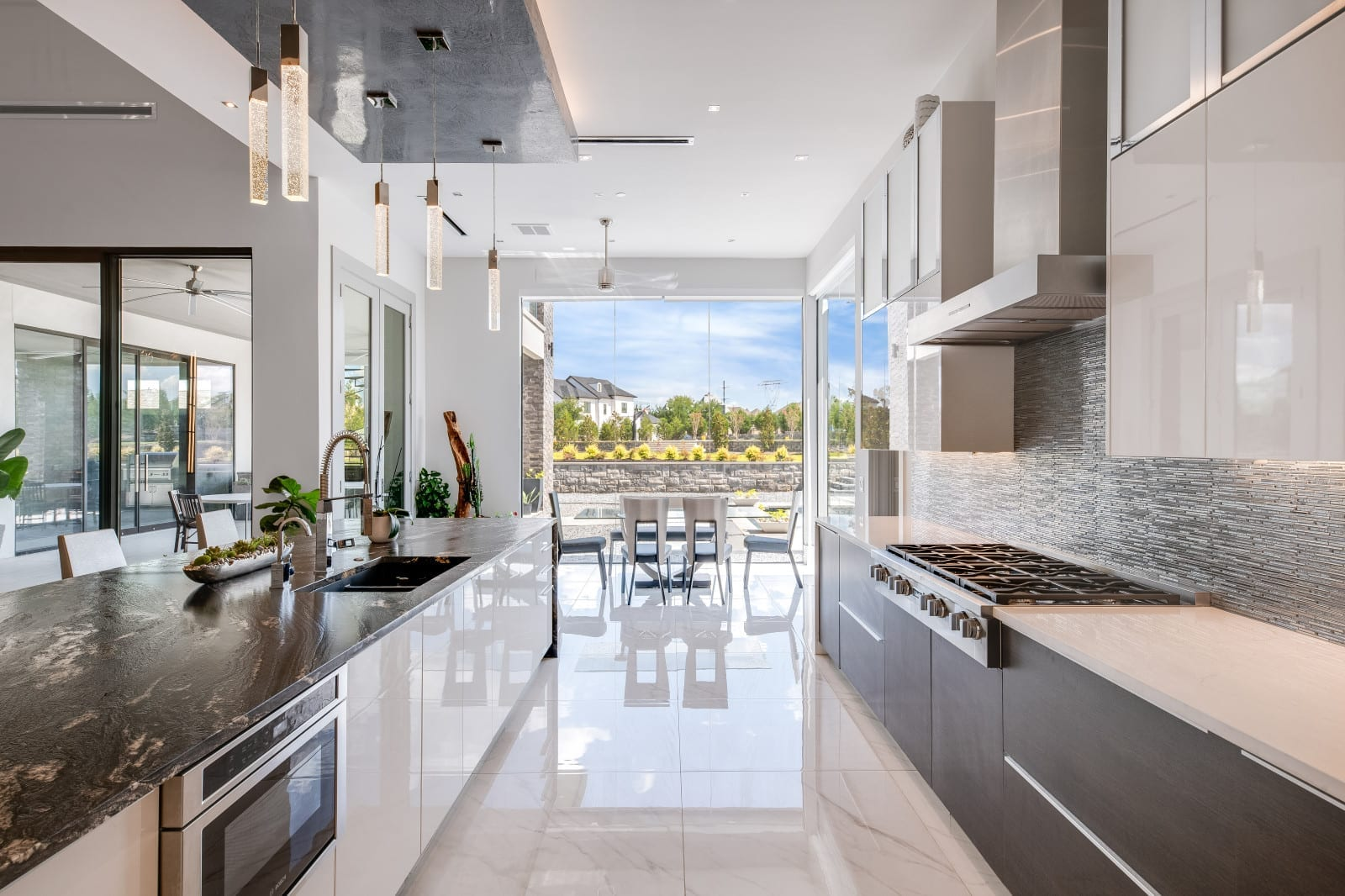 a lovely open space designed by Frisco luxury home builders with Millennial design and build