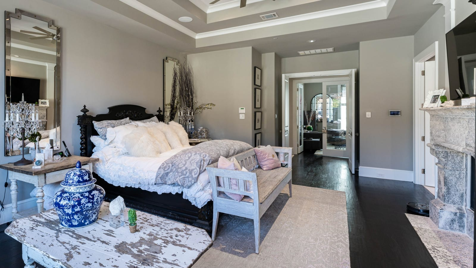 transitional modern style home designed by home builders in Dallas Texas 19 - Millennial Design + Build